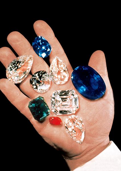 ハリー・ウィンストンが追求したのは、大粒で極上のダイヤモンド