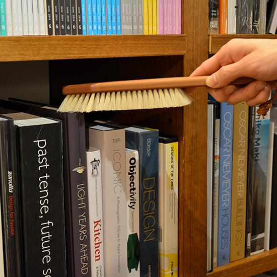 書棚専用ブラシ