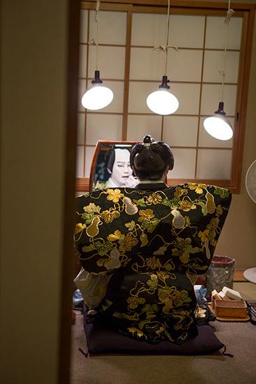 笹口悦民写真展「双蝶のうたたね – 中村歌昇・種之助 –」