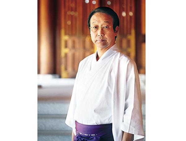 な寒川神社神職の水谷智賢さん