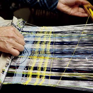 「帯屋捨松」で機織り体験会