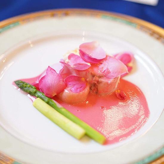 玖島ローズとコラボしたローズランチの料理