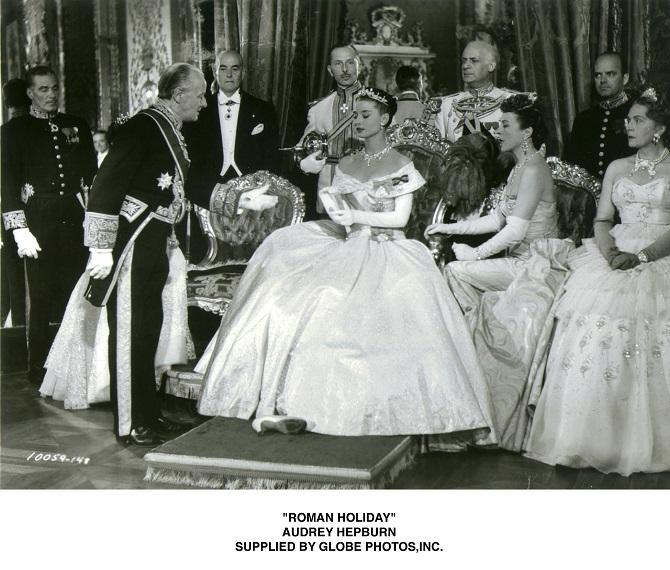 "AUDREY HEPBURN, 1953 : ""ROMAN HOLIDAY"". SUPPLLIED BY GLOBE PHOTOS,INC. (Photo by Globe Photos/AFLO) [2381]"