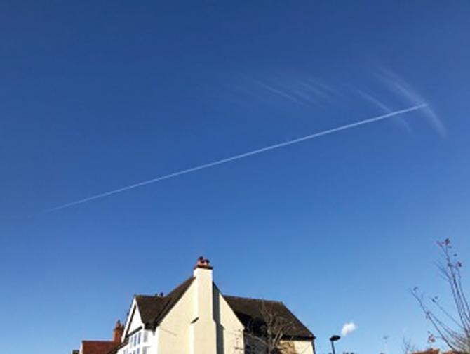 澄み渡る青が美しいロンドンの空