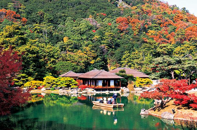 金刀比羅宮、栗林公園の紅葉を愛でる 深まる秋の香川 いざ、アートの旅へ