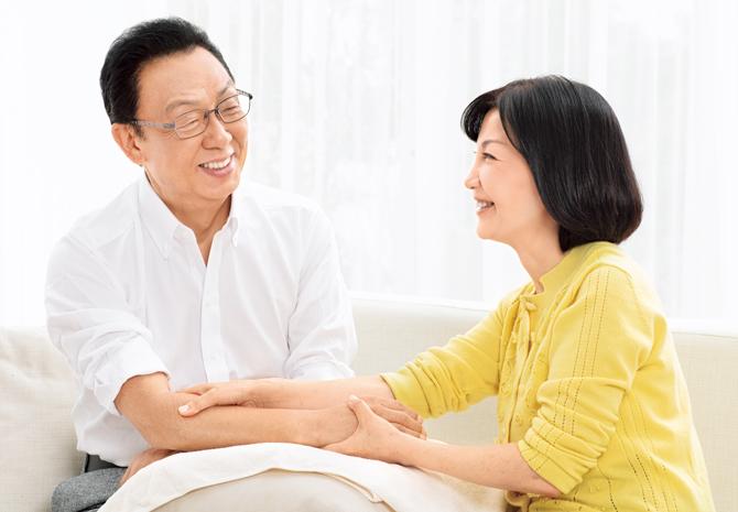 """""""愛情ホルモン""""の分泌を促すハンドケア"""