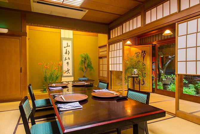 大人検定365 京都の老舗料亭で食事。実践したいワンランク上の服装マナーとは?