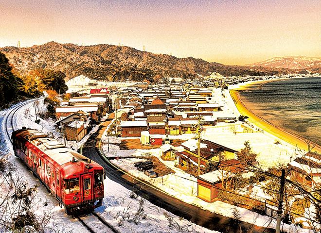冬の丹後 神の箱庭「天橋立」 絶景の宿で幻の蟹を味わう旅