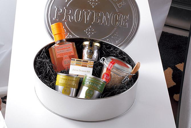 グルメグロサリー「メゾンブレモンド1830」 フレーバーオリーブオイル、バルサミコ酢、トリュフ入りの塩