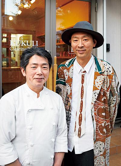 南部弘樹シェフ(左)とパン談議に花を咲かせる池田浩明さん(右)。