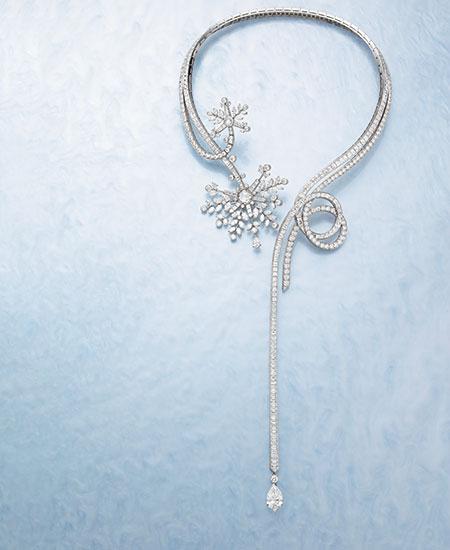 ネックレス「フロコン プレシュー」(WG×ダイヤモンド)2億100万円(参考価格)