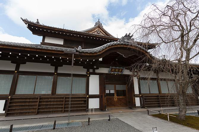 京都・三条大橋からクルマで約10分。東山山頂で楽しむ花見と絶景大パノラマ