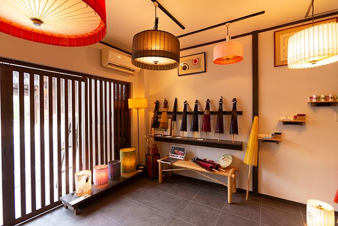着物好きの皆様、京都で傘道楽を極めてはいかがですか?
