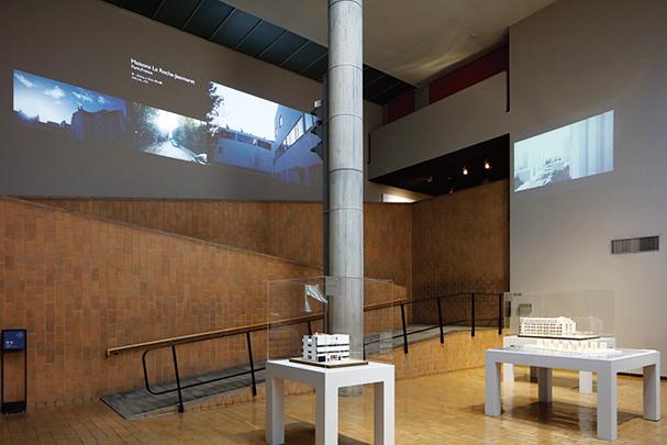 19世紀ホールには模型と映像を展示