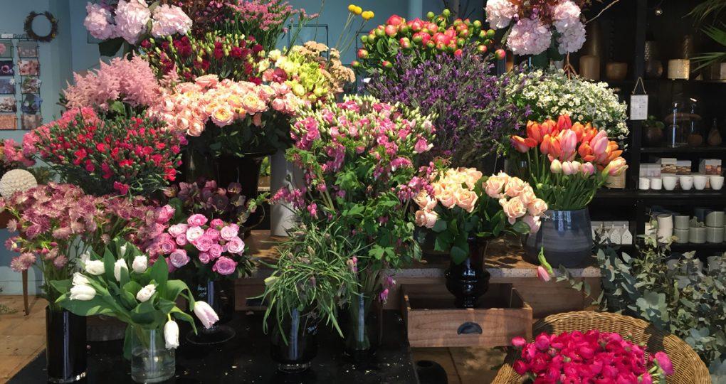 パリの8区にある花屋「アンティーク・ガーデン」。