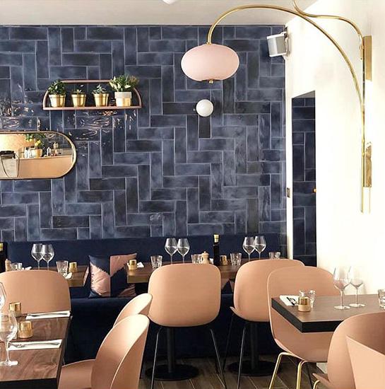 パリのイタリア料理店「ポルペット」の内観