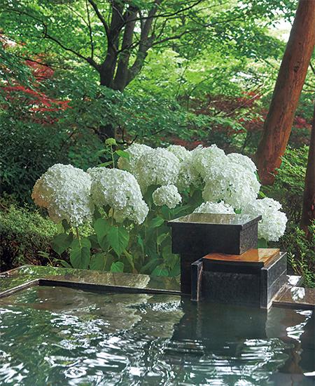 箱根強羅 白檀の客室露天風呂