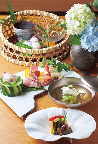 箱根強羅 白檀の天然水を使った懐石料理