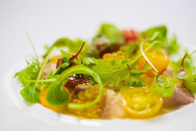 トマト、ハーブのサラダ