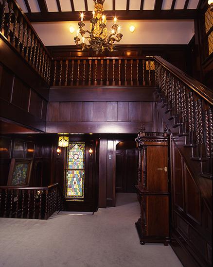 アサヒビール大山崎美術館の中の階段