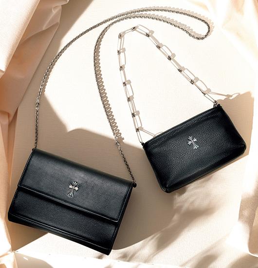 クロムハーツの黒いレザーバッグ