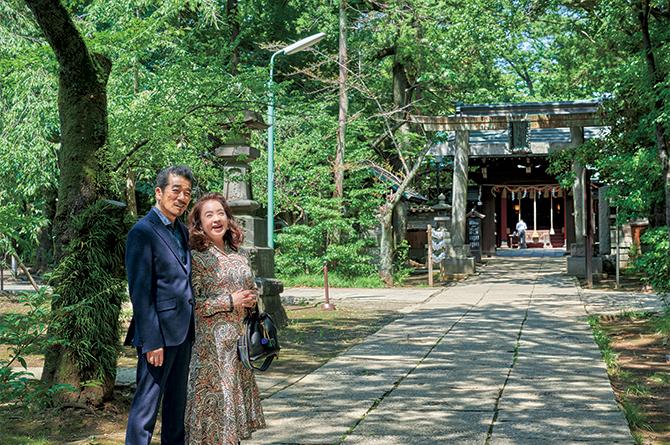 赤坂氷川神社を訪ねた宇崎竜童さん・阿木燿子さん夫妻