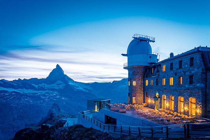 「3100 クルムホテル ゴルナーグラート」で迎える日没