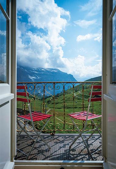ユングフラウヨッホや麓のグリンデルワルトの村を眺められる部屋