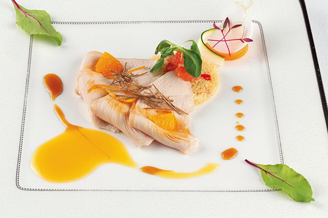 フレンチレストラン「ザ・メインダイニング」の鶏胸肉の低温調理