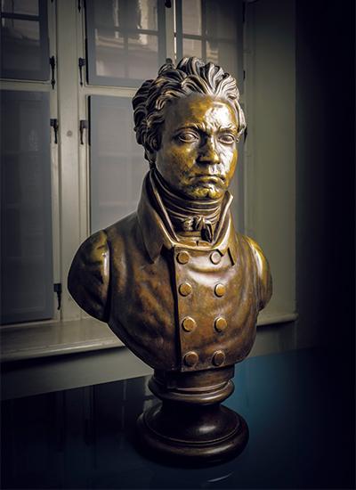 42歳のときのベートーヴェンのブロンズ像