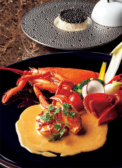 「活オマール海老 ナンチュアソース煮込み」と「オシェトラキャビアとずわい蟹のタルタル」