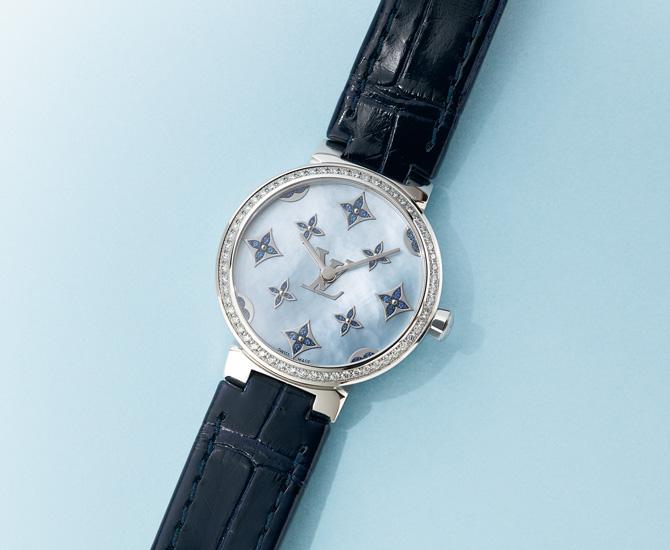時計「タンブール スリム モノグラム ディアモン ダンテル PM ブルーサファイア」