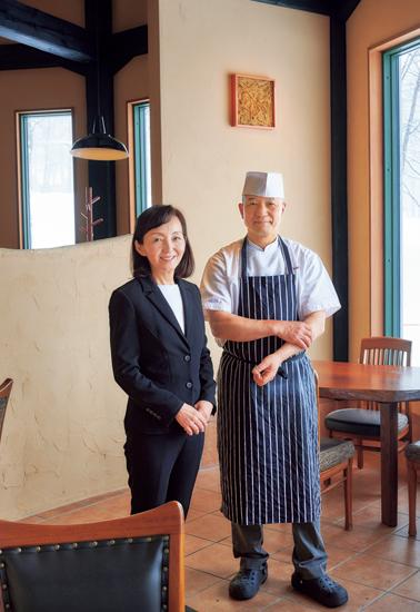 シェフの大塚健一さんと、パティシエのマダム敬子さん