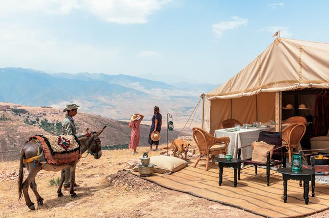 砂漠グランピング