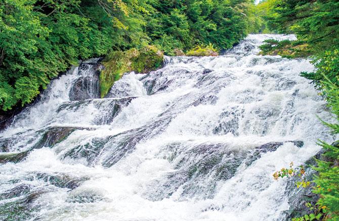 ふるさとの絶景【栃木県】竜頭(りゅうず)の滝のしぶき