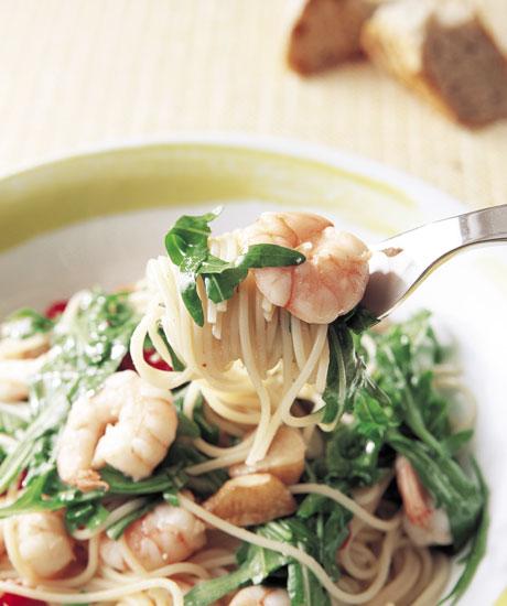 むき海老とドライトマトとルーコラのスパゲッティ