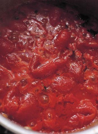 ホールトマトで作るシチリア風トマトソース