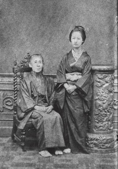 福澤諭吉の母・お順(左)と姪のお一