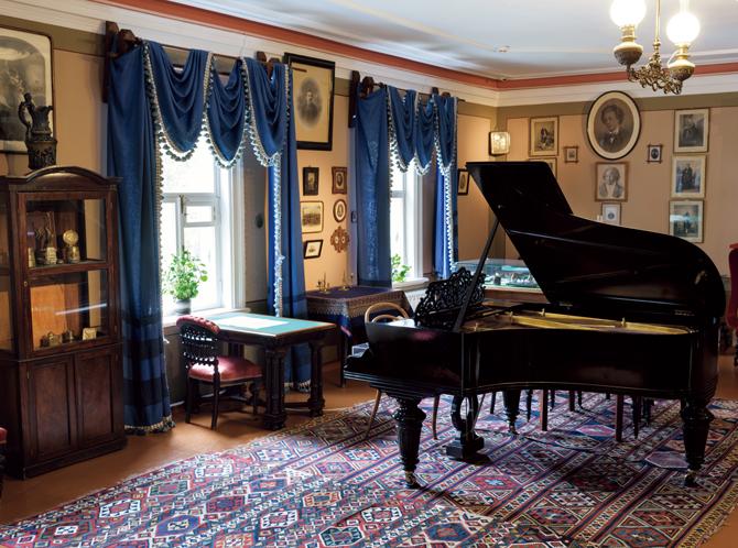モスクワ郊外クリンの家のサロン
