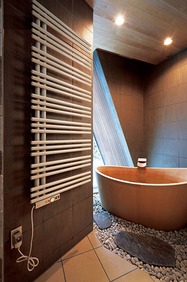 ついつい長風呂になってしまう 極楽バスルーム情報 Wellness