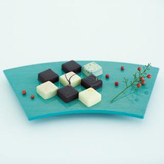 「kiki-季季-」のボンボンショコラで日本の季節、八芳園の四季を持ち帰る