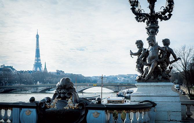 人間力溢れるパリの街