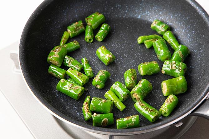 """甘長唐辛子の油焼、おろし和え〔野菜料理の""""ちょっとしたコツ""""365〕"""