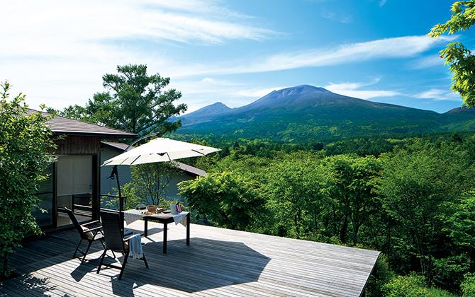 雄大な浅間山を 独り占めする 絶景の山荘