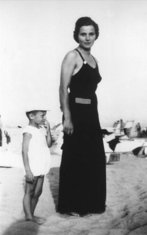 ジョルジオ・アルマーニと母